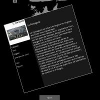 Photo d'écran de la table tactile avec un document descriptif du bâtiment du pentagone
